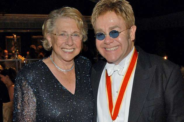 "The ""Shades of Grey"" between Elton John and his Mother"
