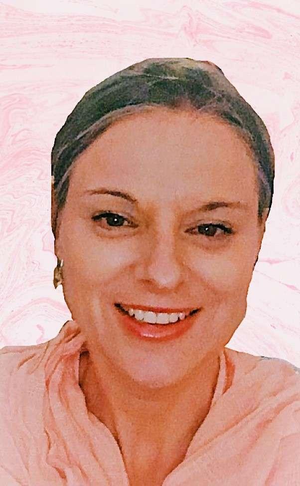 Amanda Lynne